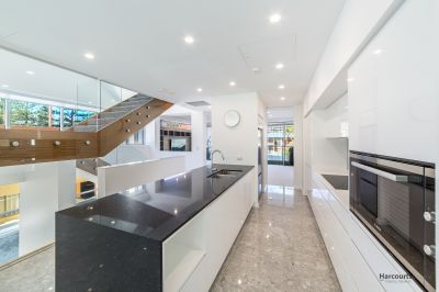 Luxury 4 level, 589m2 Beach House with Heated plunge pool
