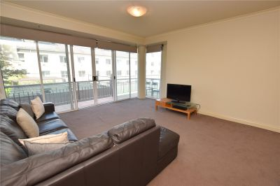 Stunning Two Bedroom Apartment with City Views!