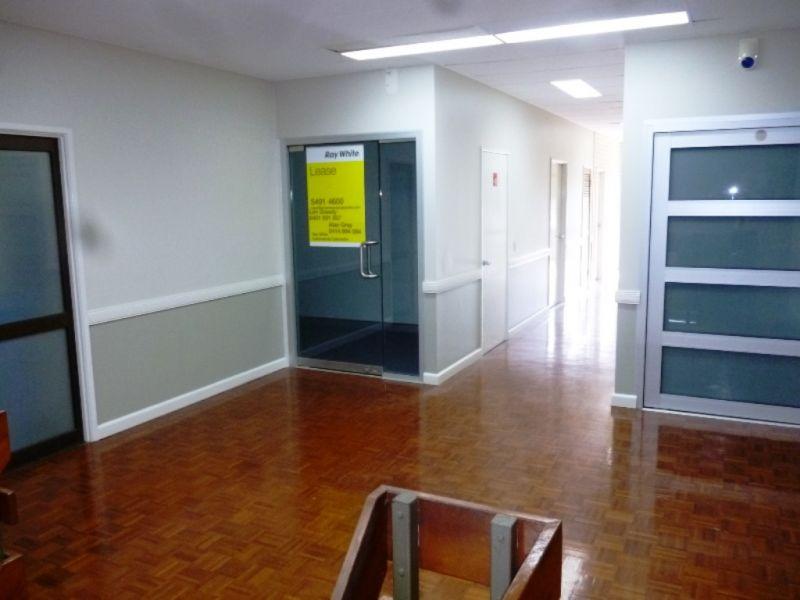 Modern Air Conditioned Office - Caloundra CBD