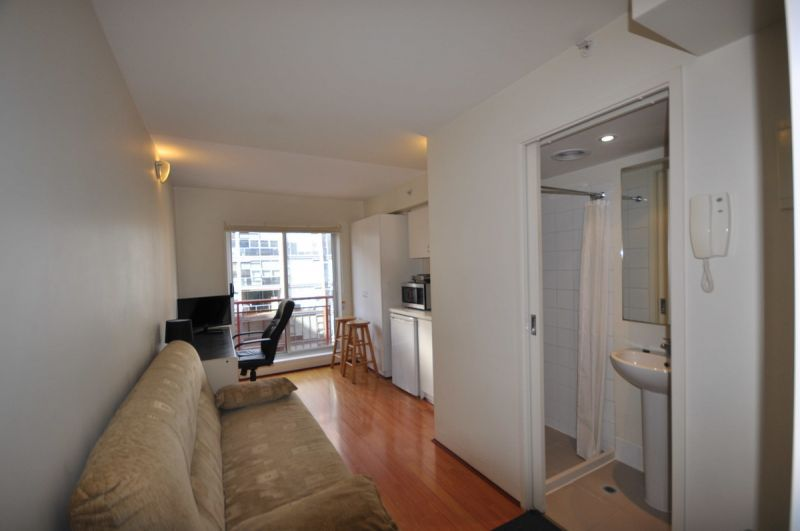 Fully Furnished Studio - Great Value!