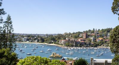 Stunning harbourside location, moments from transport, beaches, shops and entertainment