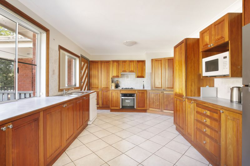 Convenience and Character In Idyllic Location!