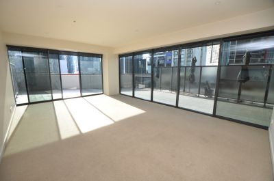 Clarendon Towers: Two Bedroom Apartment with Huge Entertainer's Terrace!
