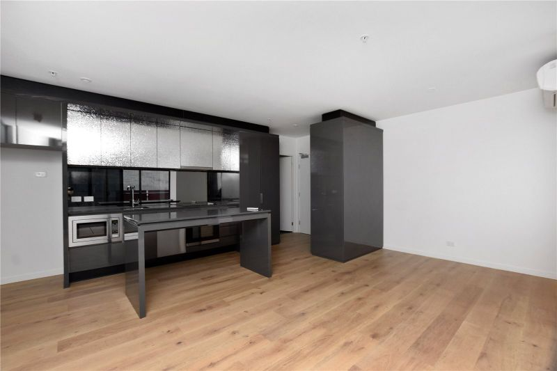 Manhattan: Stunning Two Bedroom Apartment in the Heart of Melbourne!