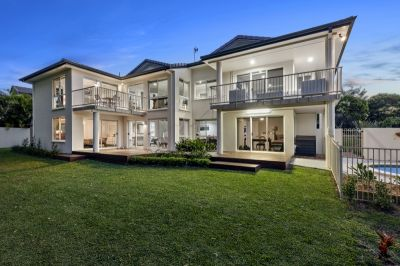 Grand Arundel Hills Home & Garden with Scope for Dual Living