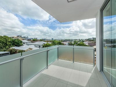 BEST IN THE BLOCK!- DUAL BALCONY SPACIOUS APARTMENT
