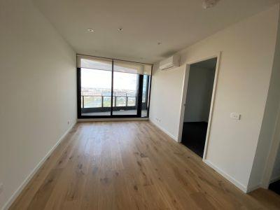 Stunning 19th floor apartment