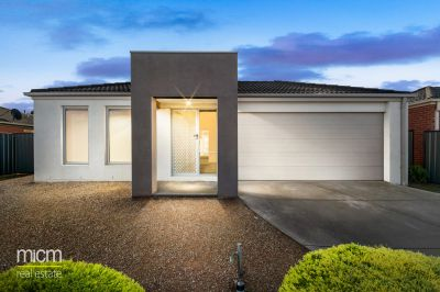 Contemporary Derrimut Gem is Dressed to Impress!