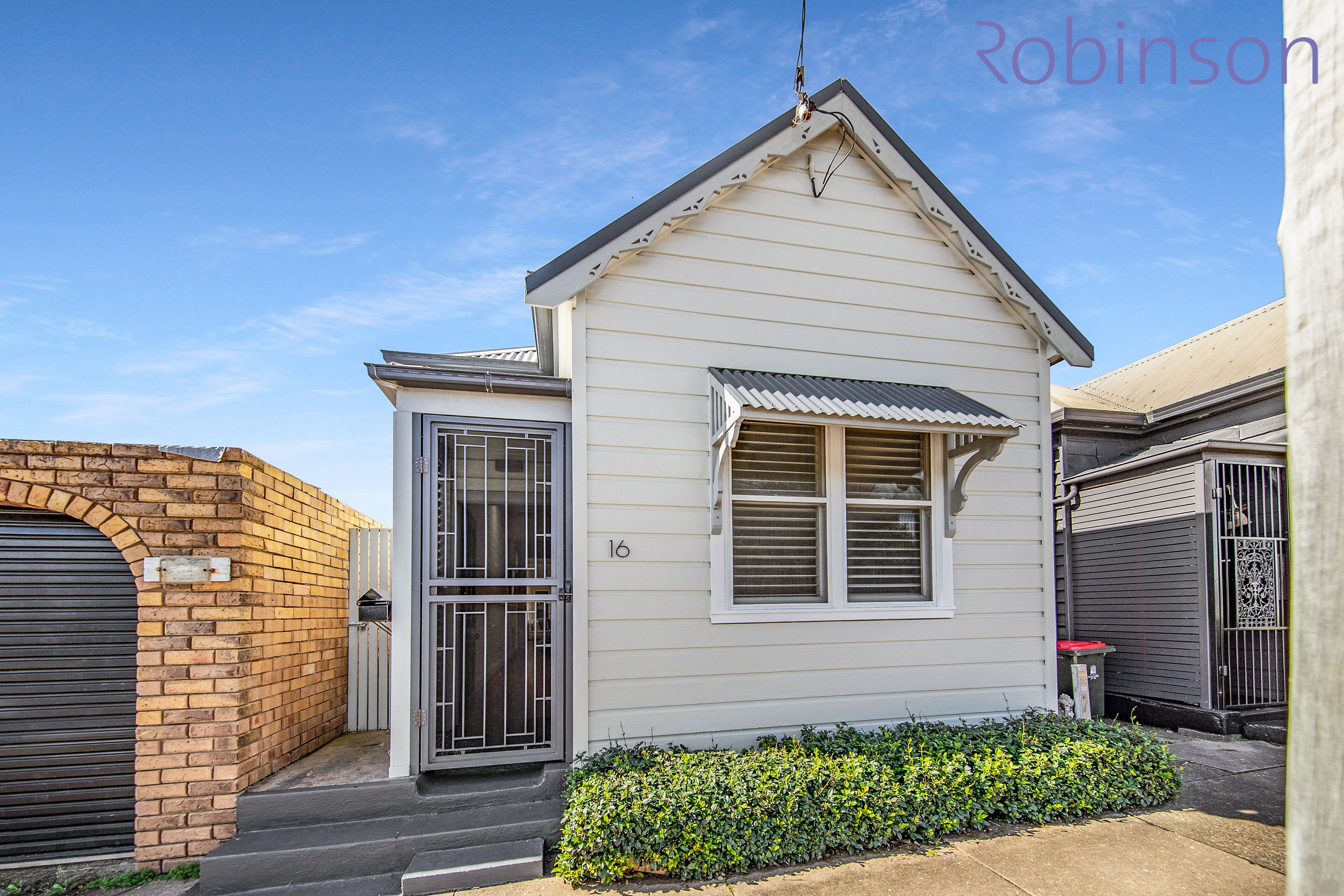 16 Young Street, Cooks Hill