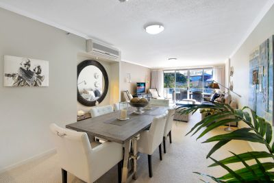 Located in Exclusive Budds Beach Surfers Paradise.