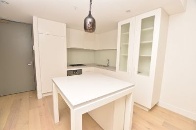 Fantastic 2 Bedroom + Carpark Apartment in the Heart of Richmond!