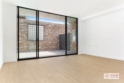 Modern One Bedroom Apartment in Marrickville