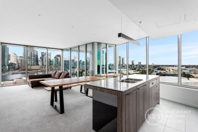Fully Furnished Corner Apartment with 270 degree views!