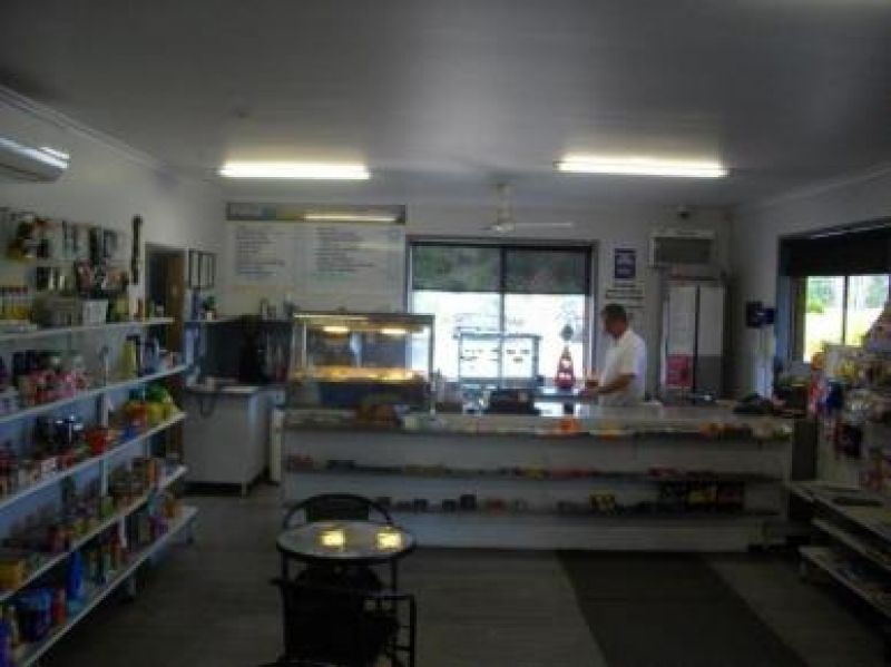 General store, Freehold & business with excellent residence.