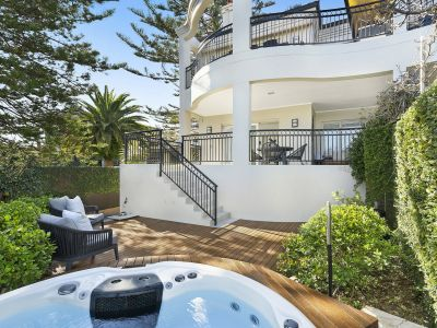 Impressive townhouse with views to Middle Harbour