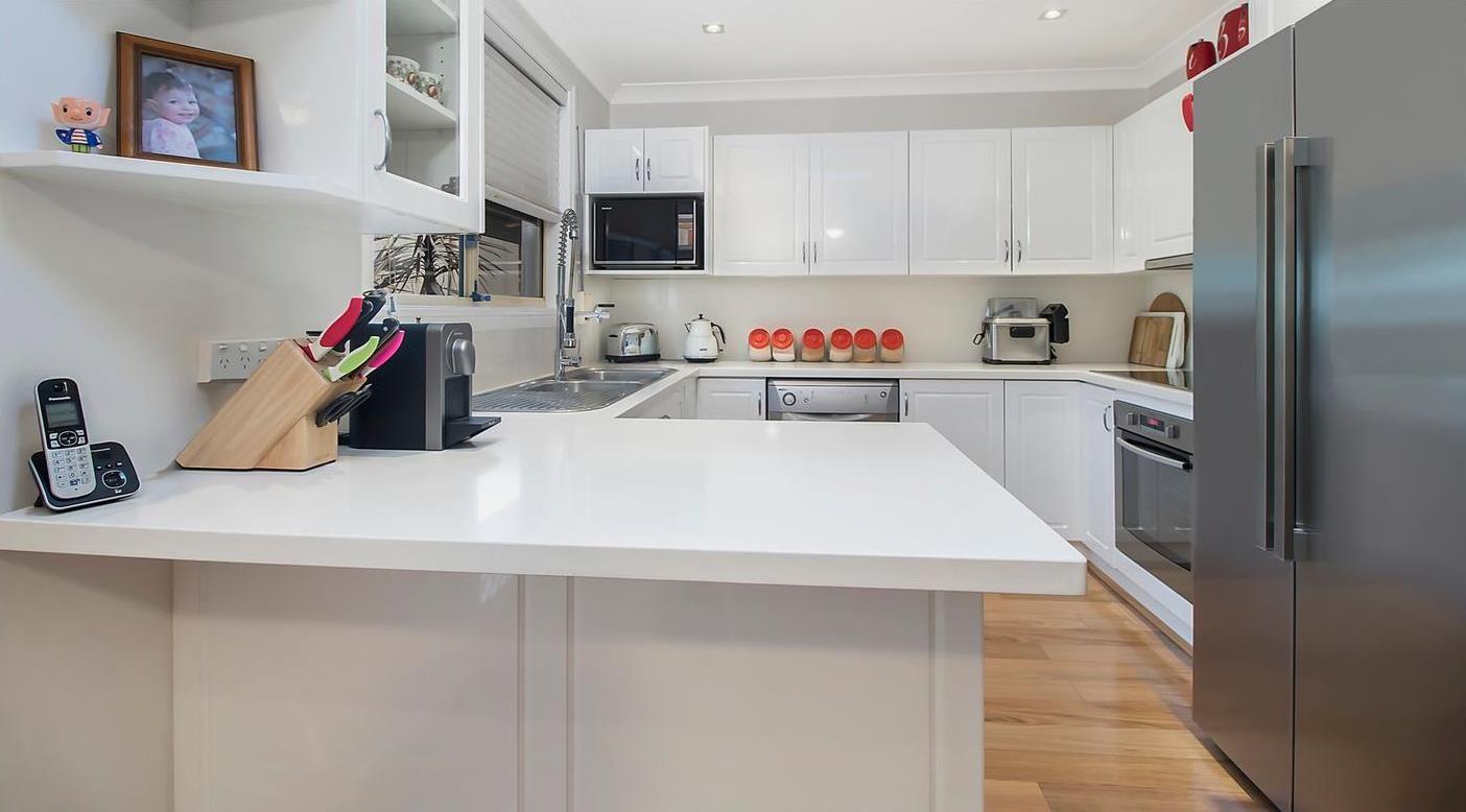 33a Leacocks Lane, Casula NSW 2170