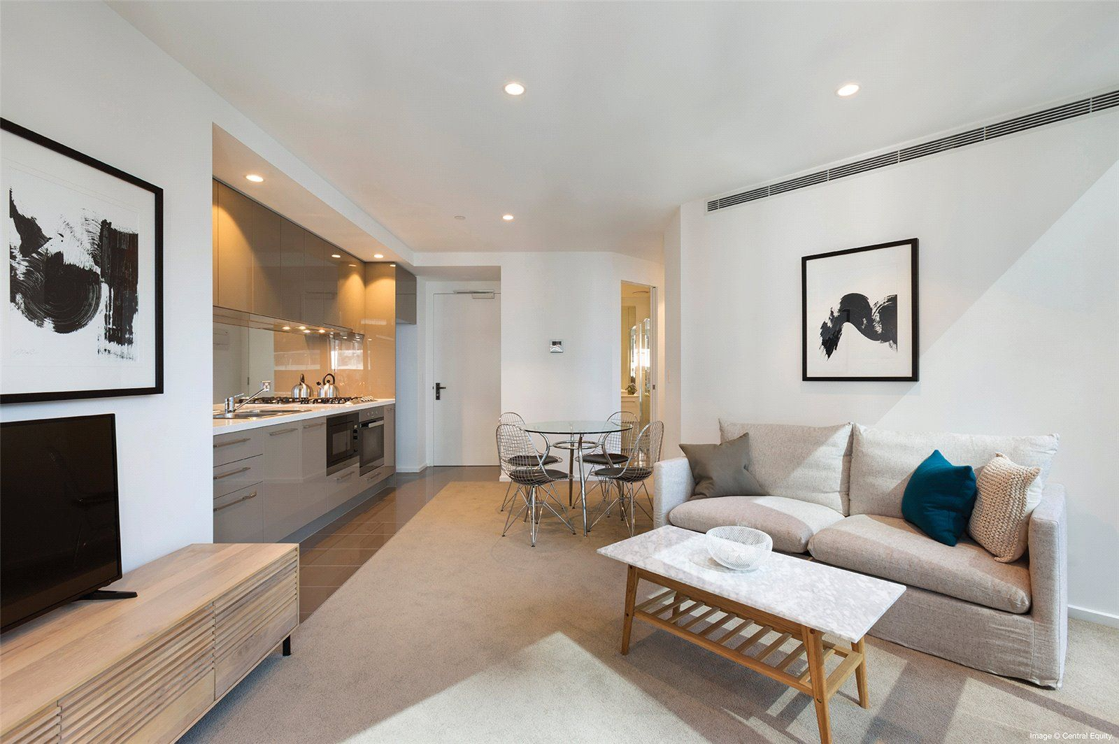 Fantastic Two Bedroom Apartment in Southbank Central!