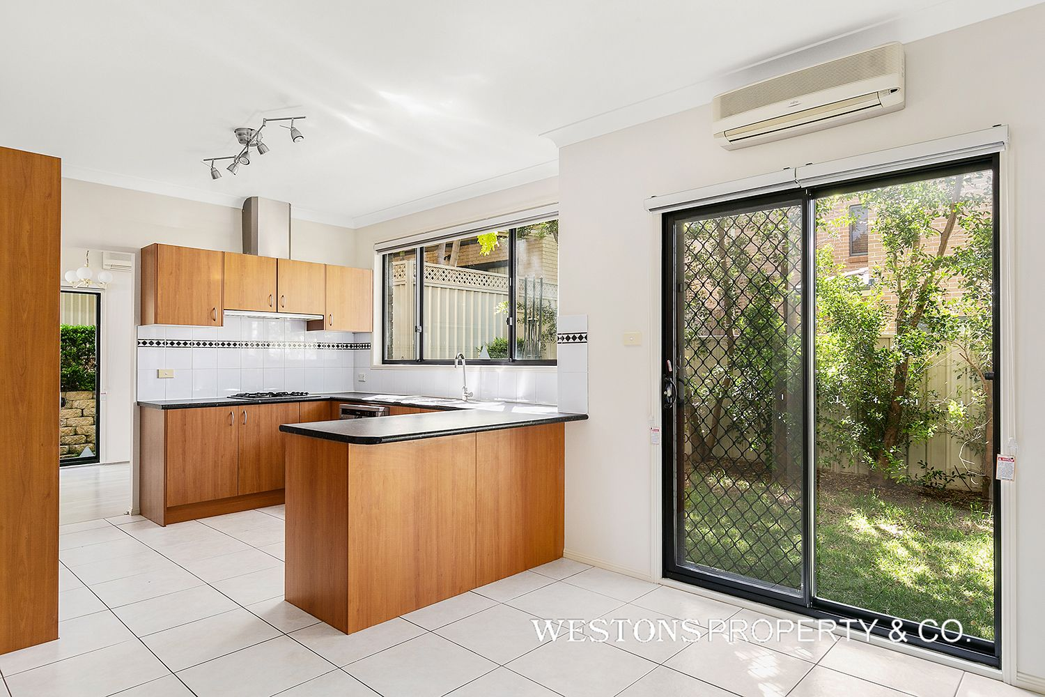 4 Colonial Court, Winston Hills NSW 2153