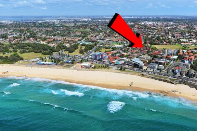 YES, IT REALLY IS ONLY A STROLL AWAY TO MAROUBRA BEACH, CAFE'S AND BUS!