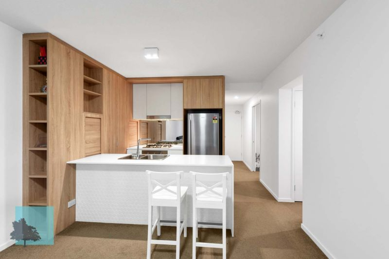 Large Two Bedroom Apartment.>
