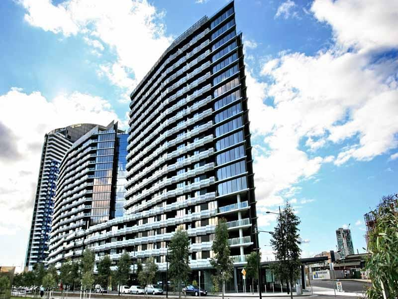 Watergate: EnjoyThe Docklands Lifestyle Today!