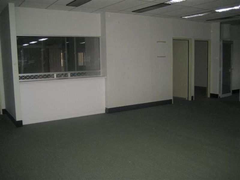 Spacious Office with Parking