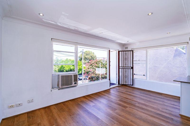 Bright & Airy Apartment