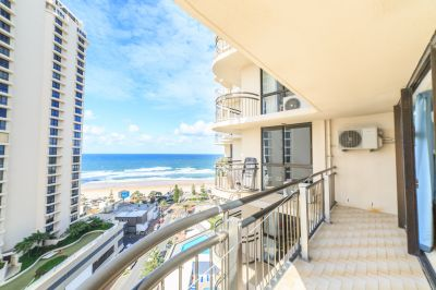 Oversized Apartment, Direct Ocean Views!