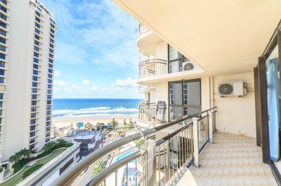 Oversized Apartment, Direct Ocean Views!