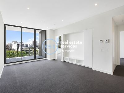 2-Bedroom Apartment with City Views in Zetland
