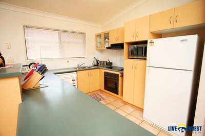 IT'S ALL ABOUT THE LOCATION...A CONVENIENT LIFESTYLE HOME IN A PICTURESQUE PART OF SOUGHT AFTER IDALIA ...
