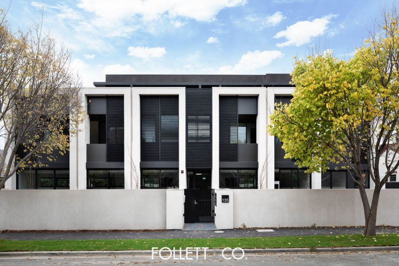 PRICE ADJUSTMENT - Luxury Residence In The Thriving Heart Of Brighton