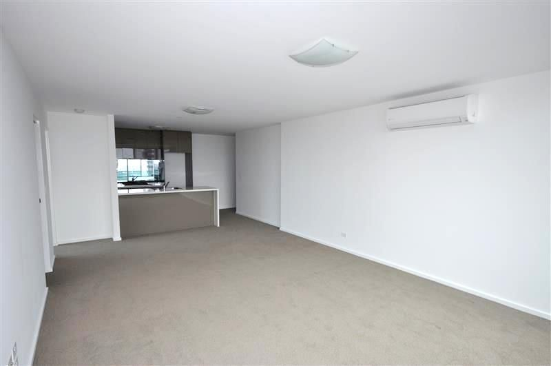 MAINPOINT: 31st Floor - This Two Bedroom Apartment is Sure To Impress!