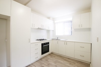 Renovated 2 Bedroom Apartment with Parking