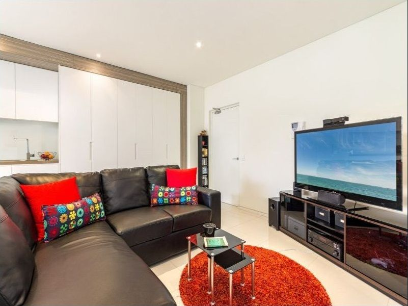 15/54a Blackwall Point Road, Chiswick