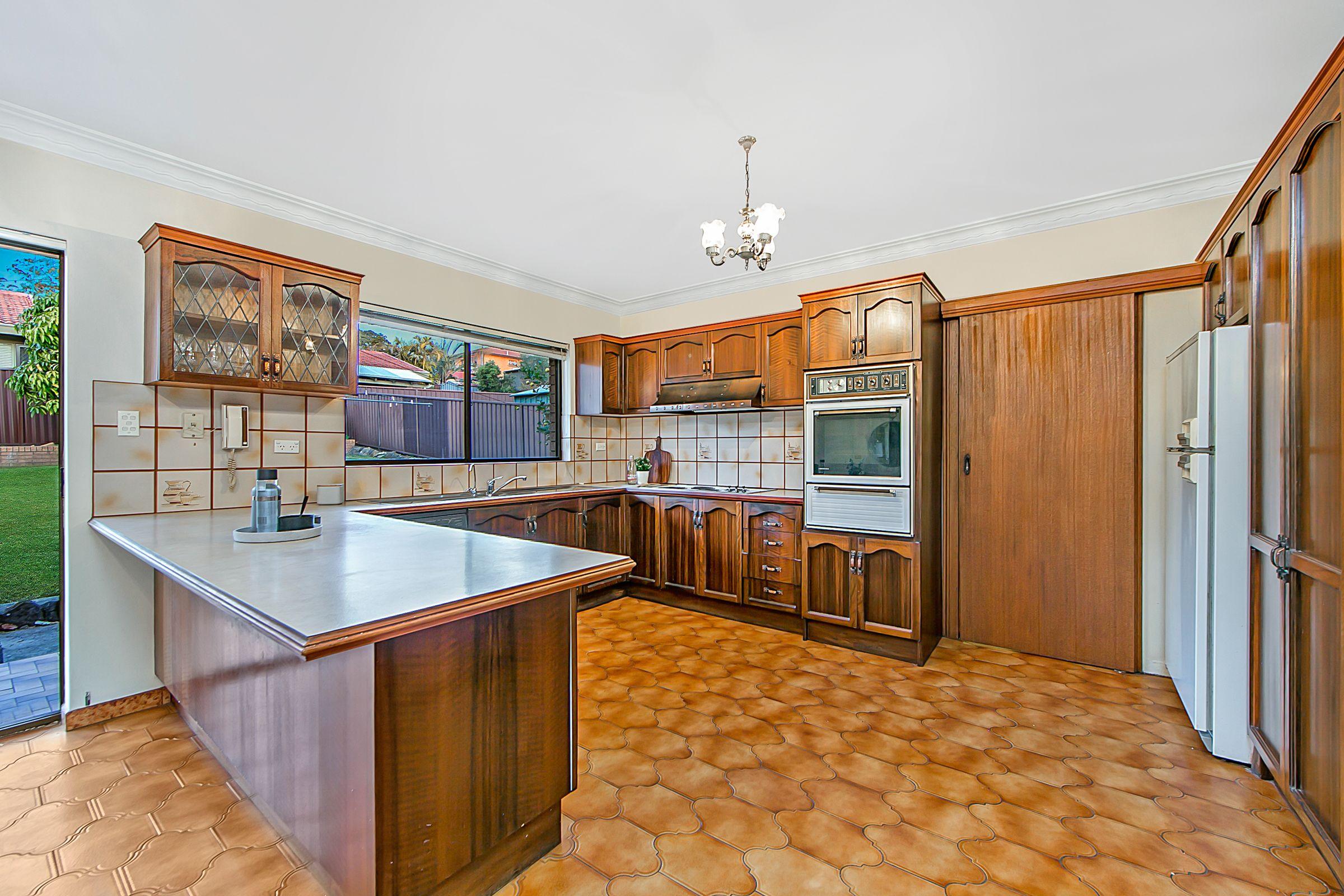 5 Pennington Avenue, Georges Hall NSW 2198