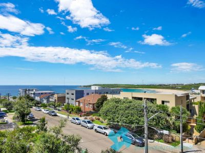 EXECUTIVE BEACHSIDE RESIDENCE WITH VIEWS ACROSS MAROUBRA BEACH