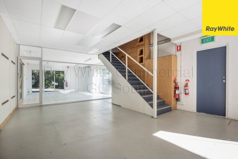 220SQM WAREHOUSE, SHOWROOM & OFFICE WITH HIGH EXPOSURE