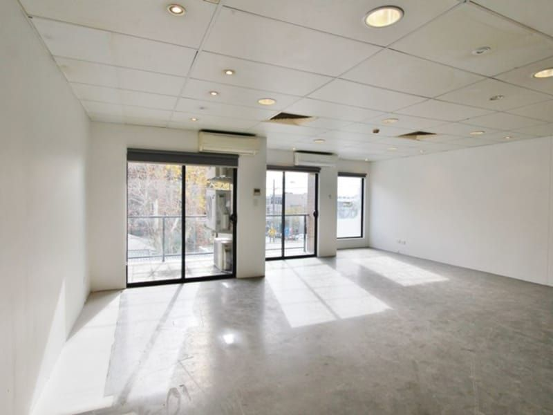 RETAIL SPACE IN CROWS NEST