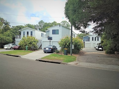 Calling all investors!! 4 Bedroom home with separate granny flat!!