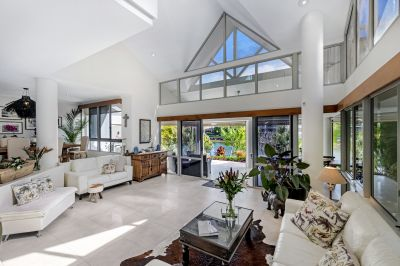 LUXURY NORTH FACING LIFESTYLE WATERFRONT