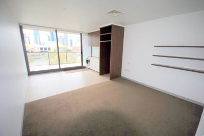Northbank: 7th Floor - Top Quality and Fantastic Location!