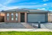FIRST CLASS TENANT WANTED! Enjoy Your Life in Point Cook!