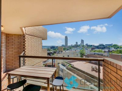 FRESHLY UPDATED ONE BEDROOM RESIDENCE BOASTING DISTRICT OUTLOOKS