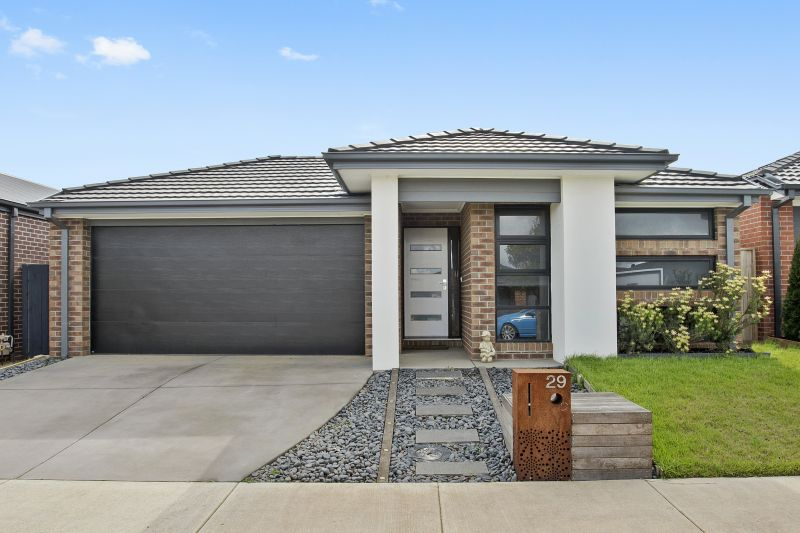 29 Golden Wattle Drive Mount Duneed