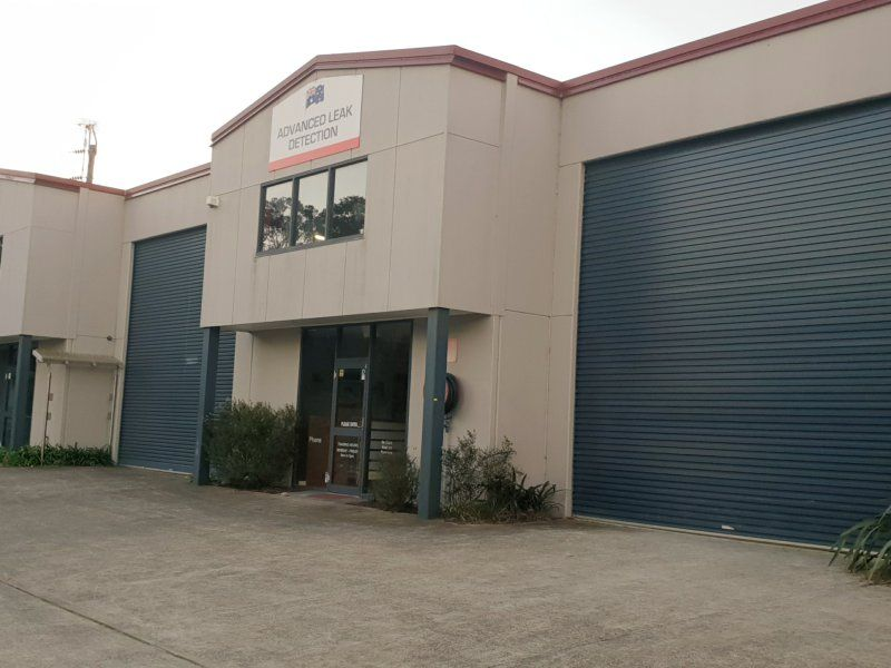 WAREHOUSE PLUS GOOD OFFICE SPACE