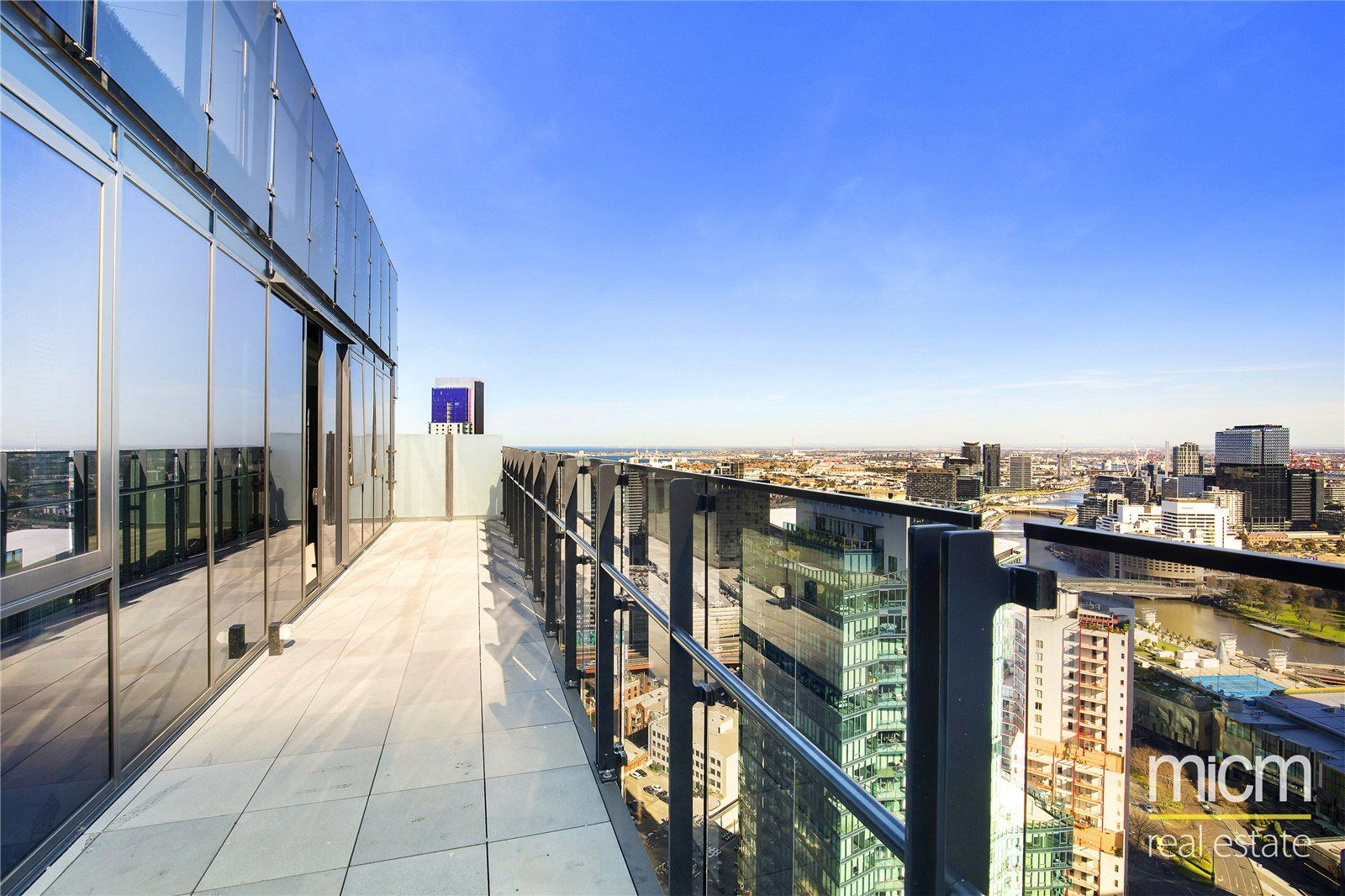 Southbank Grand: Luxurious Sub-penthouse With Sensational Views!