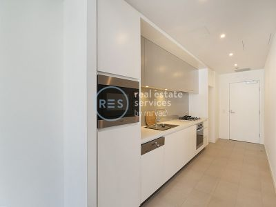 Spectacular North-facing 1-Bedroom Apartment in Harold Park