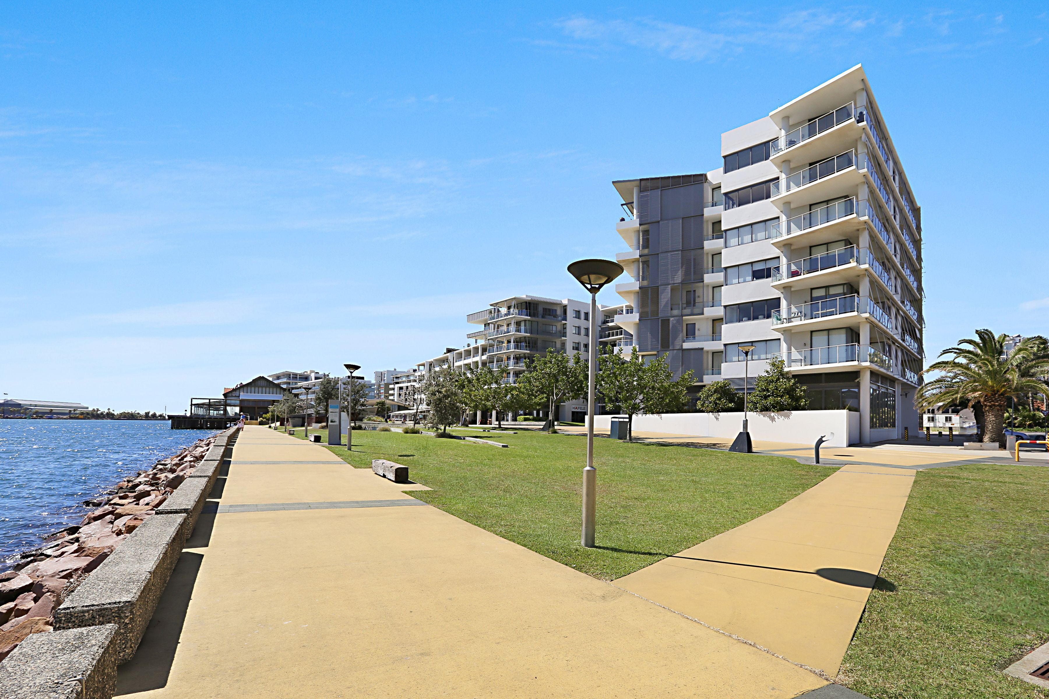 Level 2/202/19 Honeysuckle Drive, Newcastle