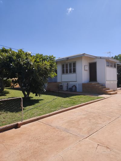 Well Maintained Exmouth Norwester Home
